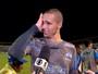 """Emocionado, Lucas chora ao lembrar de salários em vitória: """"Sofrendo"""""""
