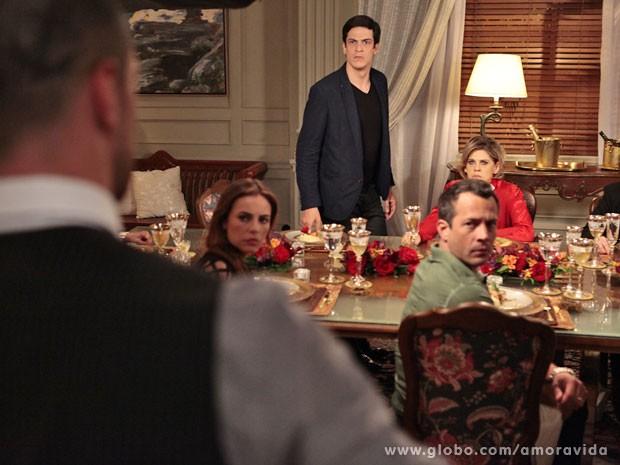 Wagner se mete na discussão de família e joga tudo no ventilador (Foto: Pedro Curi/TV Globo)