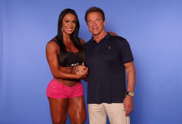 Gracyanne Barbosa e Arnold Schwarzenegger (Foto: Divulgação)