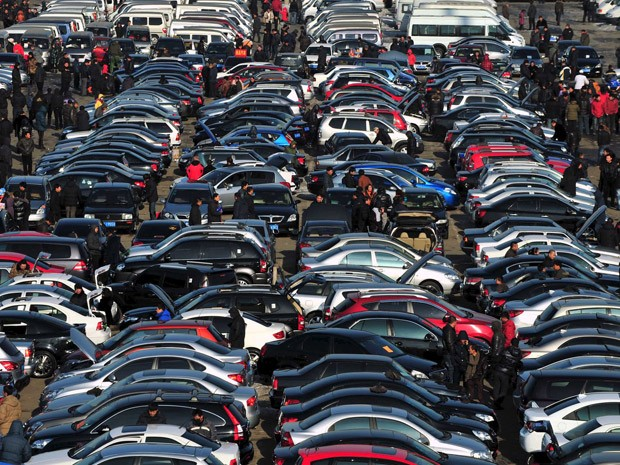Vendas de carros na China estão caindo (Foto: Sheng Li/Arquivo Reuters)
