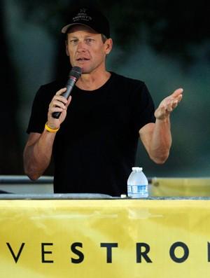 Para evitar imagem negativa, Lance Armstrong se demite de fundação (Foto: Getty Images)