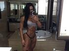 Gracyanne Barbosa mostra corpo musculoso em foto de calcinha e top