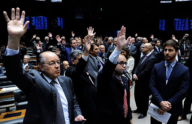 Deputados durante sessão no plenário da Câmara no último dia 10 de agosto (Foto: Lúcio Bernardo Júnior / Câmara dos Deputados)