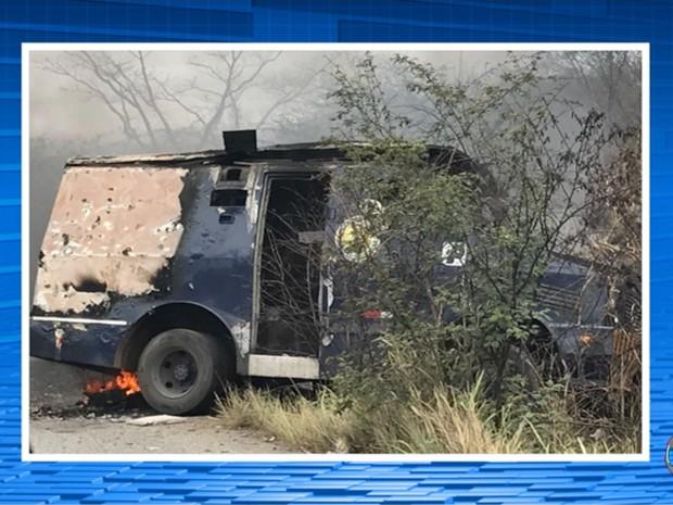 Explosão carro-forte em Bonito, no Agreste (Foto: Reprodução/TV Asa Branca)