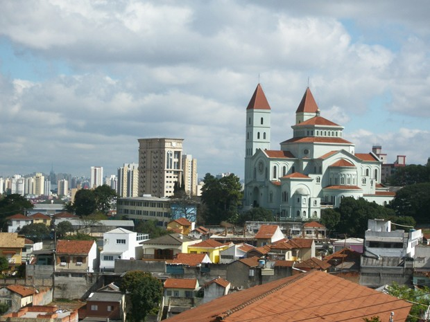 Igreja é uma das maiores da capital e está localizada na Zona Leste de São Paulo (Foto: Marcelo Mora/G1)