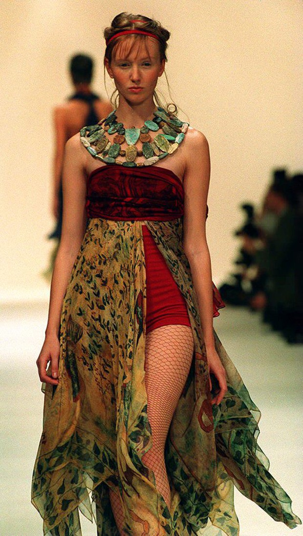 Romeo Gigli, spring/summer 1994. (Foto: GETTY IMAGES)