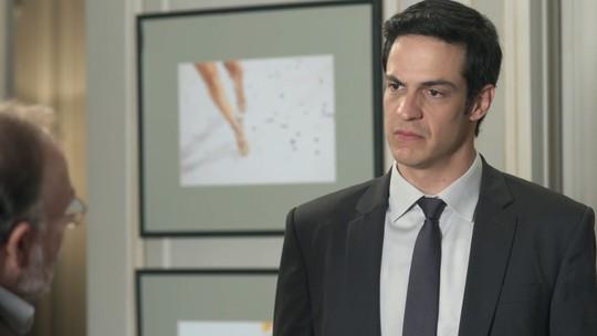 Eric fala com psiquiatra sobre comportamento de Bebeth: 'Costuma pegar coisas dos outros'