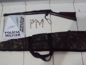 Materiais apreendidos em fazenda na região de Unaí (Foto: Divulgação / Polícia Militar)