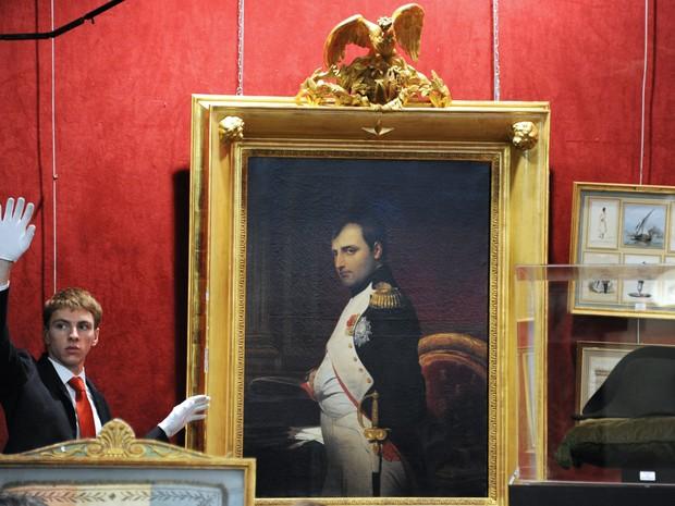 Além do chápeu, mais objetos relacionados a Napoleão foram vendidos (Foto: DOMINIQUE FAGET / AFP)