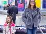 Alessandra Ambrosio e a filha, Anja Mazur, impressionam por semelhança
