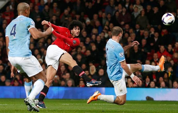 Fellaini, Manchester United x Manchester City (Foto: Reuters)
