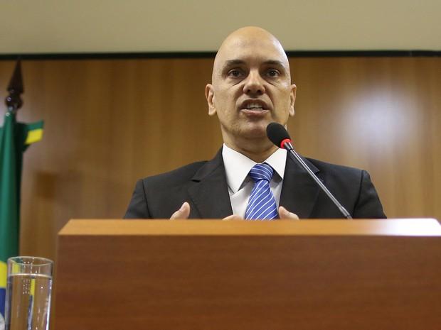 O ministro da justiça Alexandre de Moraes fala com a imprensa em Brasília sobre as prisões feitas pela operação Hashtag. Dez pessoas foram presas em sete estados