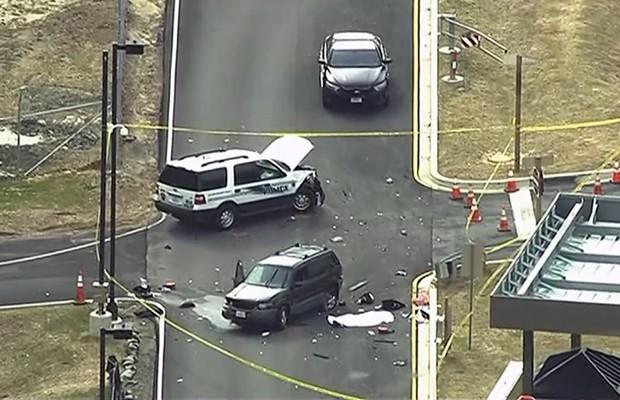 Vista aérea do local de um incidente envolvendo carros em frente à entrada da Agência Nacional de Segurança dos EUA, nesta segunda (30) (Foto: Reuters)