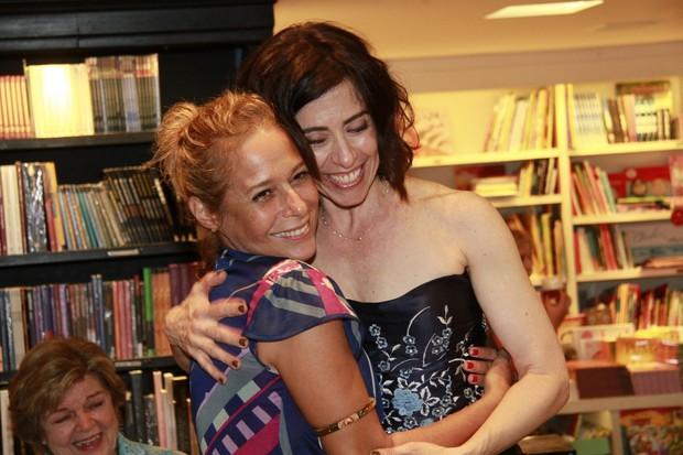 Andréa Beltrão e Fernanda Torres (Foto: Isac Luz / EGO)