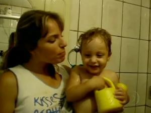 Mãe e filho mortos a facadas pelo pai em Porto Alegre (Foto: Reprodução/RBS TV)