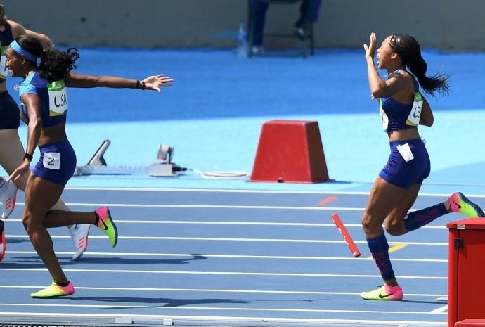 Americanas - revezamento feminino 4x100 (Foto: Reuters)