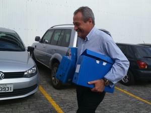 Coronel Ferreira chega para segundo dia de julgamento (Foto: Juirana Nobres/ G1)