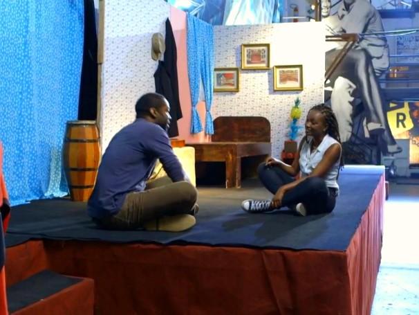 Lázaro Ramos conhece a jovem estudante Juliana Xavier, beneficiada pelo projeto Spectaculu (Foto: Globo)