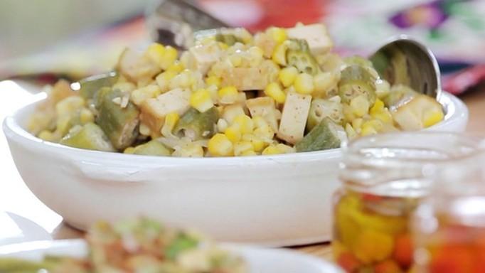 Bela Cozinha - Ep. 13 - Pimenta e quiabo - Mexidinho de milho quiabo e tofu