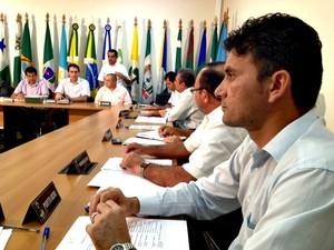 Reunião AMAC (Foto: Veriana Ribeiro/G1)