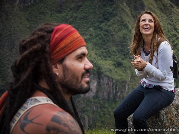 Paloma se encanta com Ninho (Foto: Amor à Vida / TV Globo)