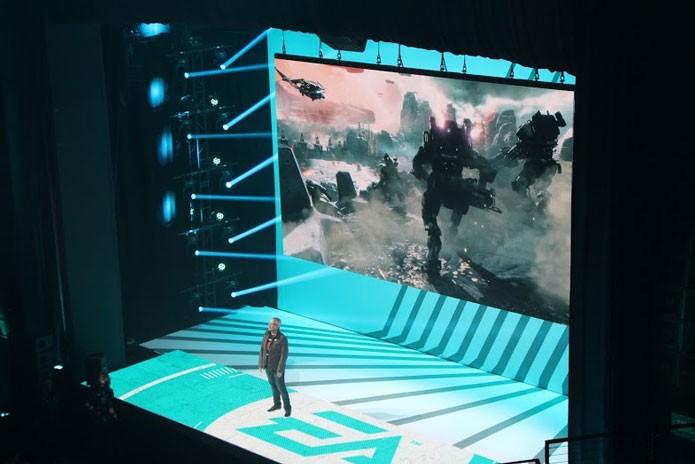 Titanfall 2 na conferência da EA (Foto: Reprodução/Tais Carvalho) (Foto: Titanfall 2 na conferência da EA (Foto: Reprodução/Tais Carvalho))