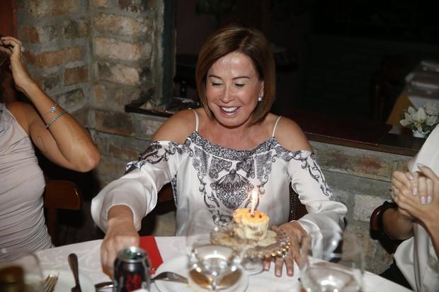 Zilu Godoi comemmora aniversário  (Foto: Ag. News)