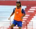 Náutico: Araújo e mais quatro jogadores regularizados