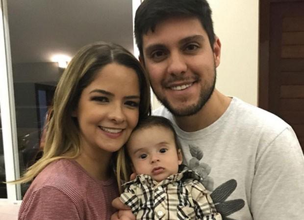 Maria Cecília e Rodolfo com o filho, Pedro (Foto: Reprodução)
