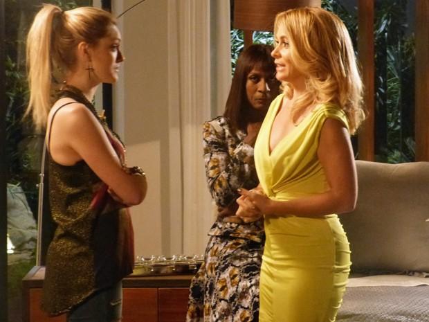Pamela pensou que Megan não fosse gostar de seu namoro com Herval  (Foto: Geração Brasil / TV Globo)