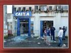 Bandidos invadem banco, explodem caixas e incendeiam carro na Bahia