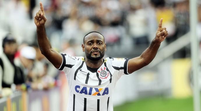 Vagner Love Corinthians Cruzeiro (Foto: Marcos Ribolli)