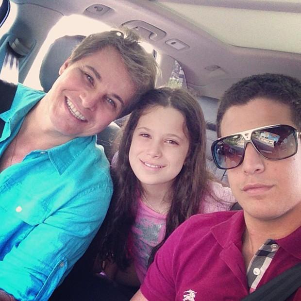 Edson Celulari com os filhos Enzo e Sophia (Foto: Instagram / Reprodução)