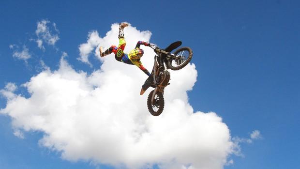 "BLOG: MM Colaboradores - EXCLUSIVO!  ""Pilares do Freestyle Motocross: Preparo Físico"" - artigo  de José Gaspar"