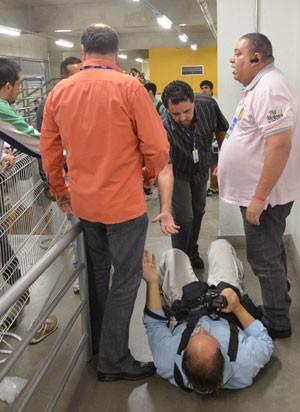 Sasha segurança agressão repórter vôlei (Foto: Douglas Magno / Ag. Estado)