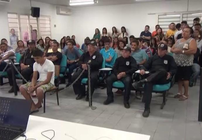 Julgamento do acusado de matar Edson Piauí (Foto: TV Alvorada)