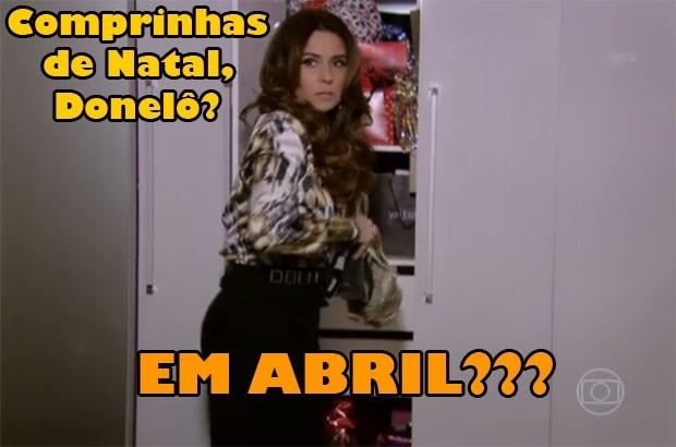 Helô esconde compras no armário (Foto: Salve Jorge / TV Globo)