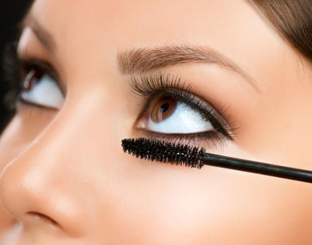mascara_cilios_abre (Foto: Shutterstock)