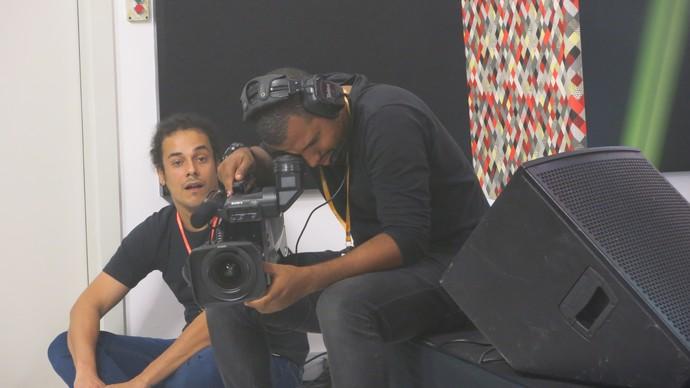 O produtor Fábner Santos e o cinegrafista Carlos Alberto (Foto: TV Bahia)