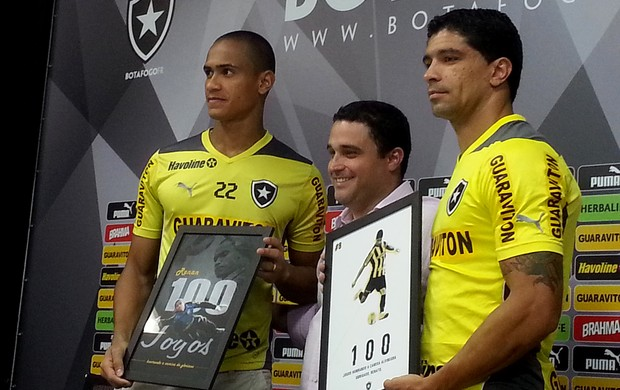 Renan e Renato botafogo 100 jogos (Foto: Thales Soares)