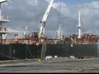 Caminhões fazem fila em porto para distribuir gasolina para postos da PB