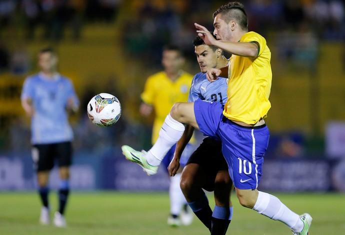 Nathan e Guillermo Cotugno, Brasil x Uruguai, sub-20 (Foto: Reuters)