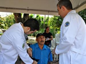 Protesto dos médicos em MS (Foto: Tatiane Queiroz/ G1 MS)