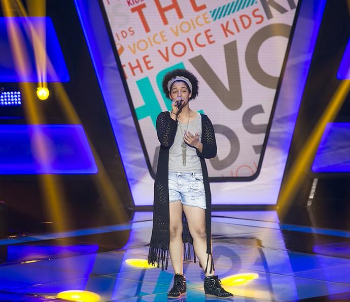 Lia Gomes canta 'Dona Cila' no The Voice Kids (Foto: Isabella Pinheiro/Gshow)