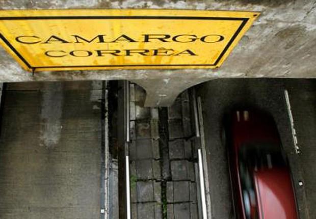 Túnel construído pela Camargo Corrêa (Foto: Paulo Whitaker/Reuters)