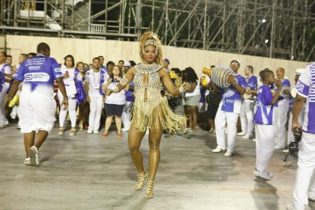 Bianca Monteiro, rainha de bateria da Portela (Foto: Anderson Barros / EGO)