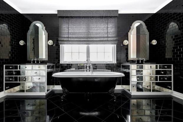 Banheiro da suíte master de Kylie Jenner (Foto: Reprodução/ Compass)
