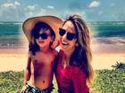 Rafa Justus aproveita praia com a mãe