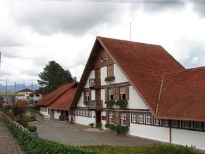 A Queijaria Suíça reúne gastronomia, cultura e diversão para os turistas. (Foto: Divulgação)