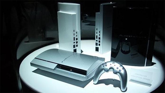 Primeiro modelo do PS3 tinha controle estranho (Foto: Divulgação/Sony)